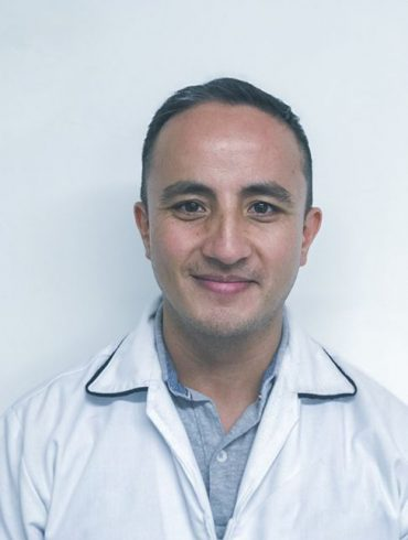 Dr. Hugo Antonio Zamora All-on-4 speciality