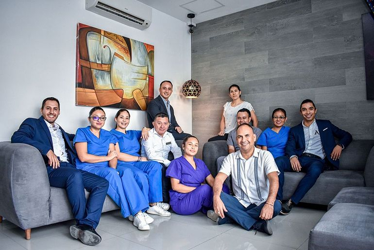 Top Rated Dentist in Cancun - Cancun Dental Design Team of Dental Implant Experts