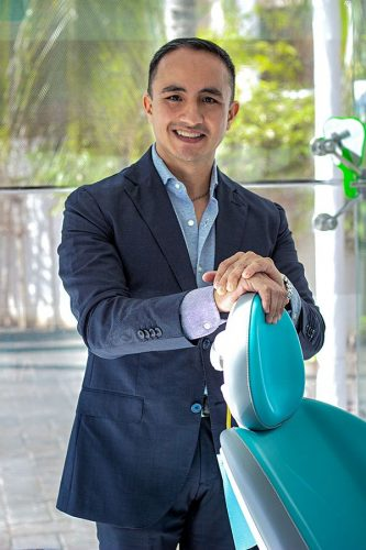 Dr Zamora Dental Implant Expert in Mexico